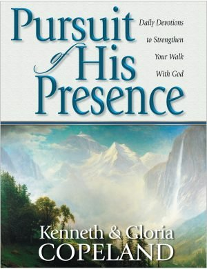 Pursuit of His Presence Paperback Daily Devotional
